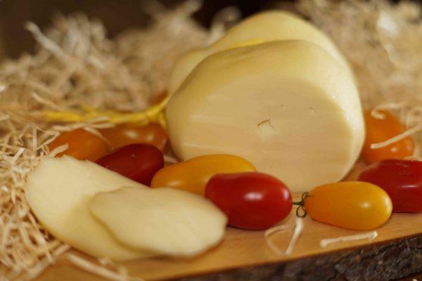 Caciocavallo Bianco Produzione propria Caseificio pupatella Mozzarella e prodotti caseari